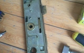 Kirkthorpe Locksmith Showing uPVC door mechanism repair